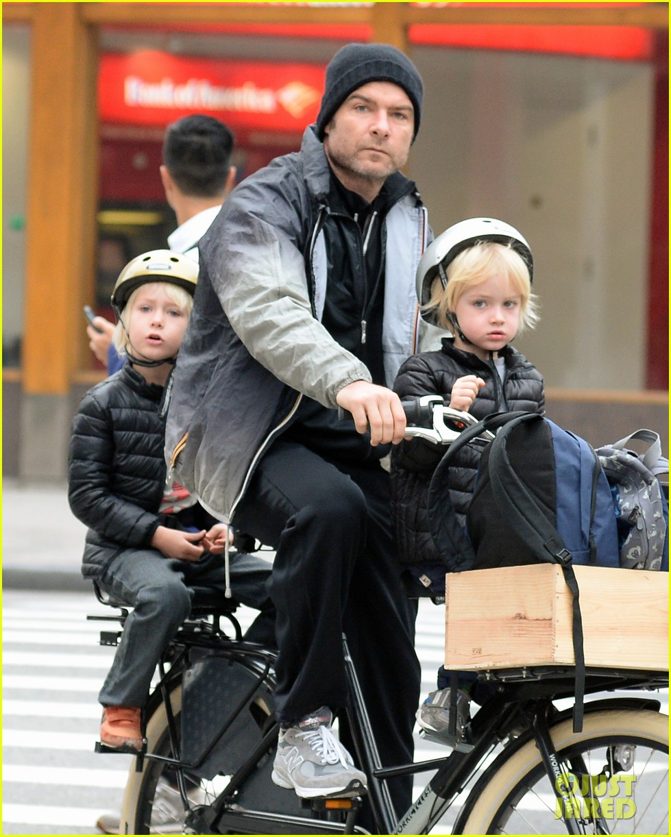 naomi watts liev screiber boys all ride on same bike 112973017