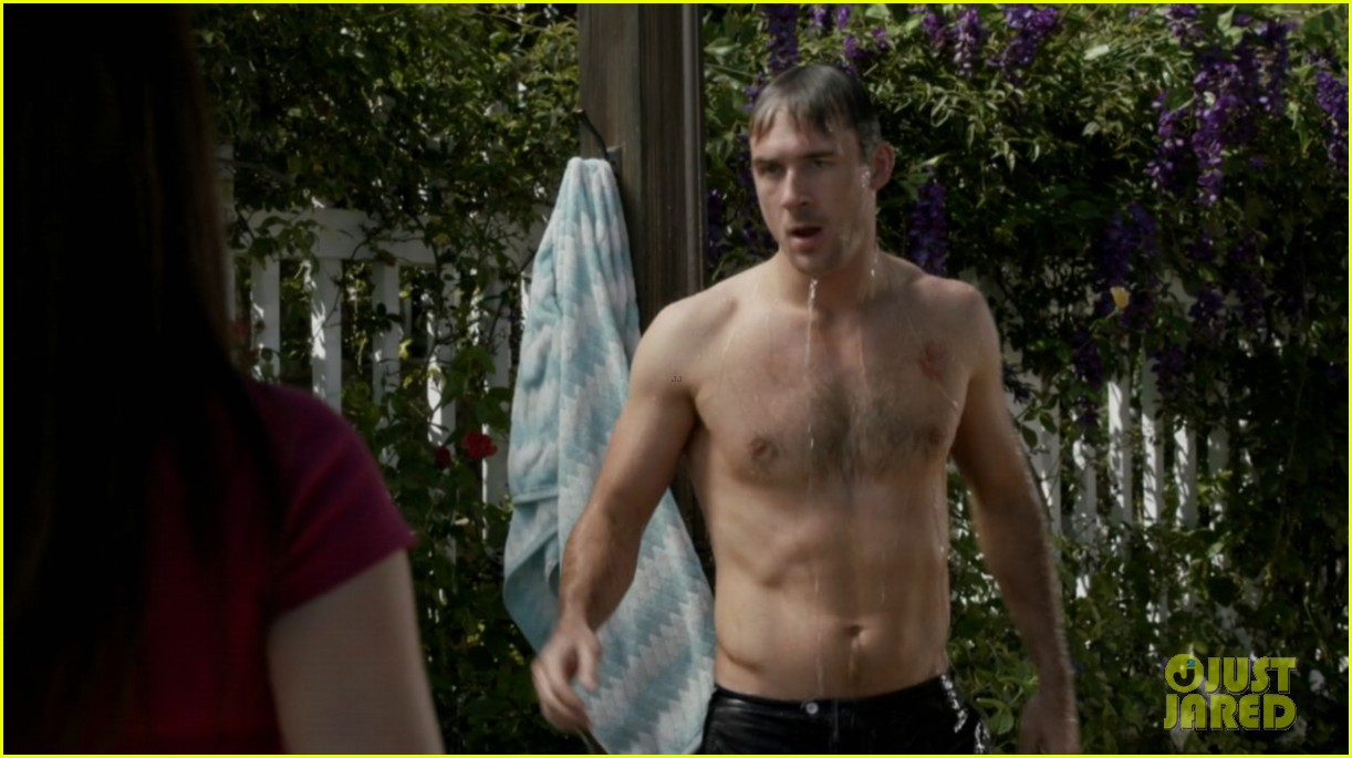 nick wechsler barry sloane revenge shirtless studs 05