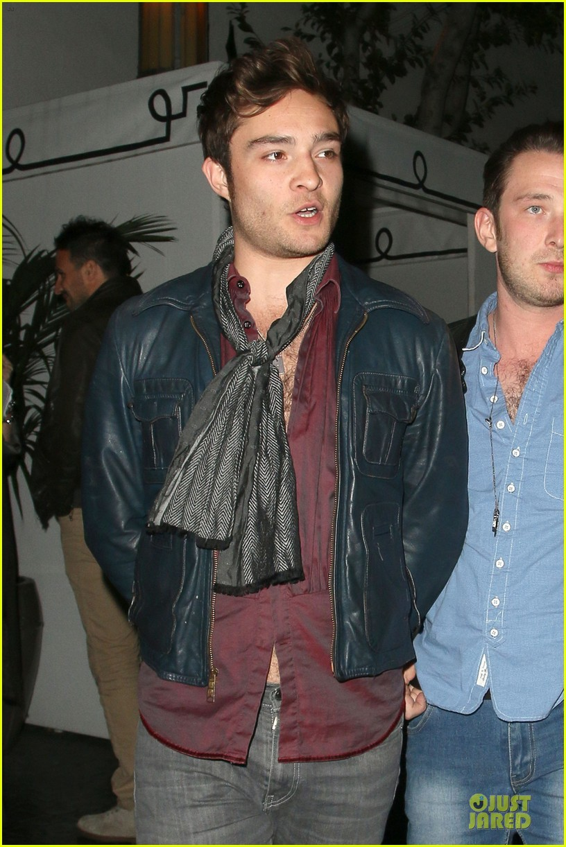 ed westwick talks american accent on queen latifah show 042974604