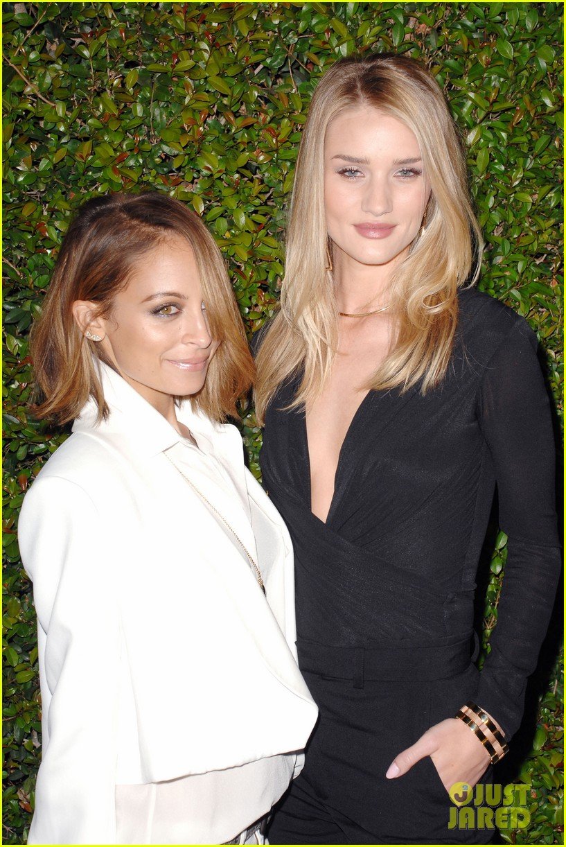 rosie huntington whiteley nicole richie chloe fashion show dinner 01