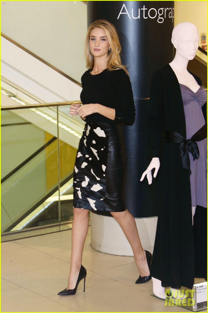rosie huntington whiteley rosie for autograph photo call 012972810