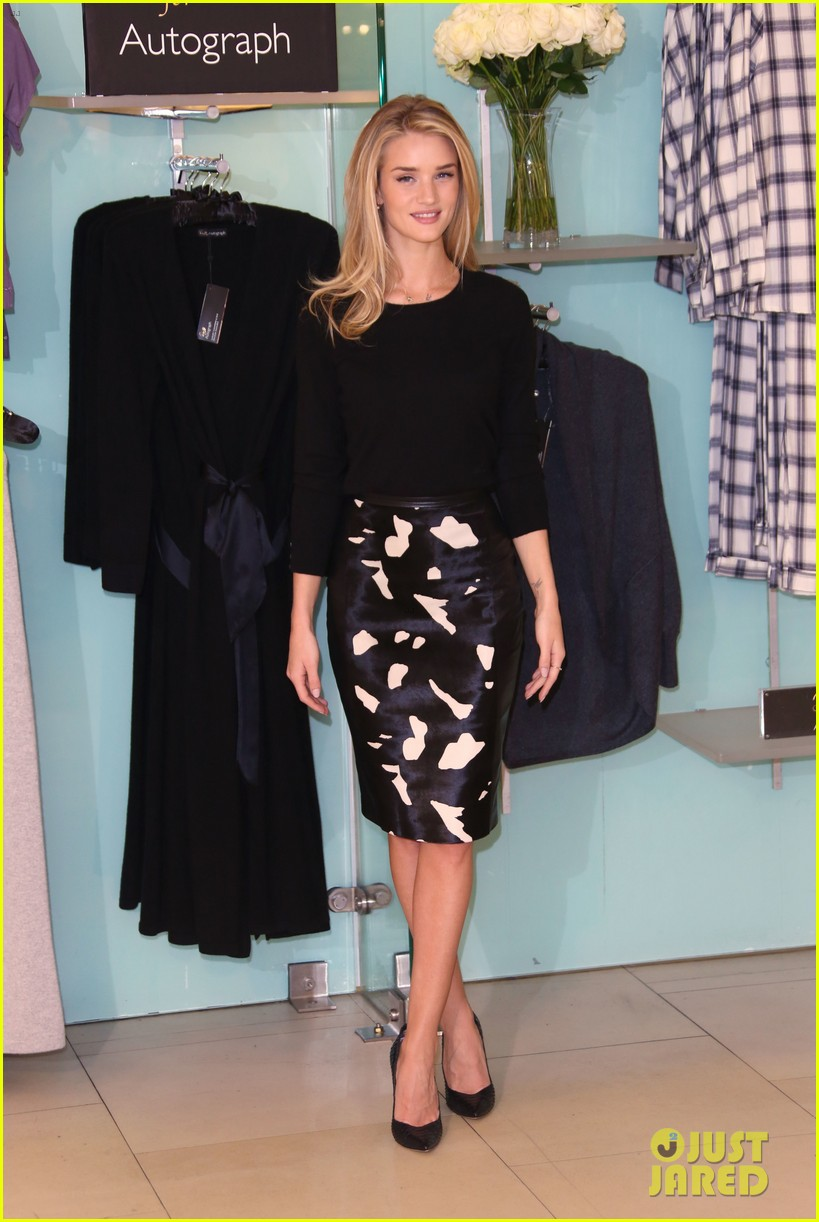 rosie huntington whiteley rosie for autograph photo call 022972811