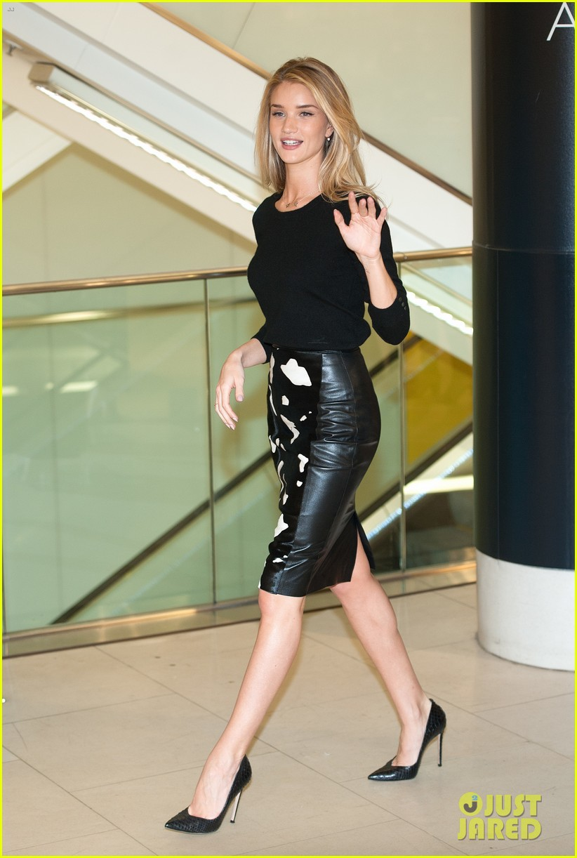 rosie huntington whiteley rosie for autograph photo call 032972812