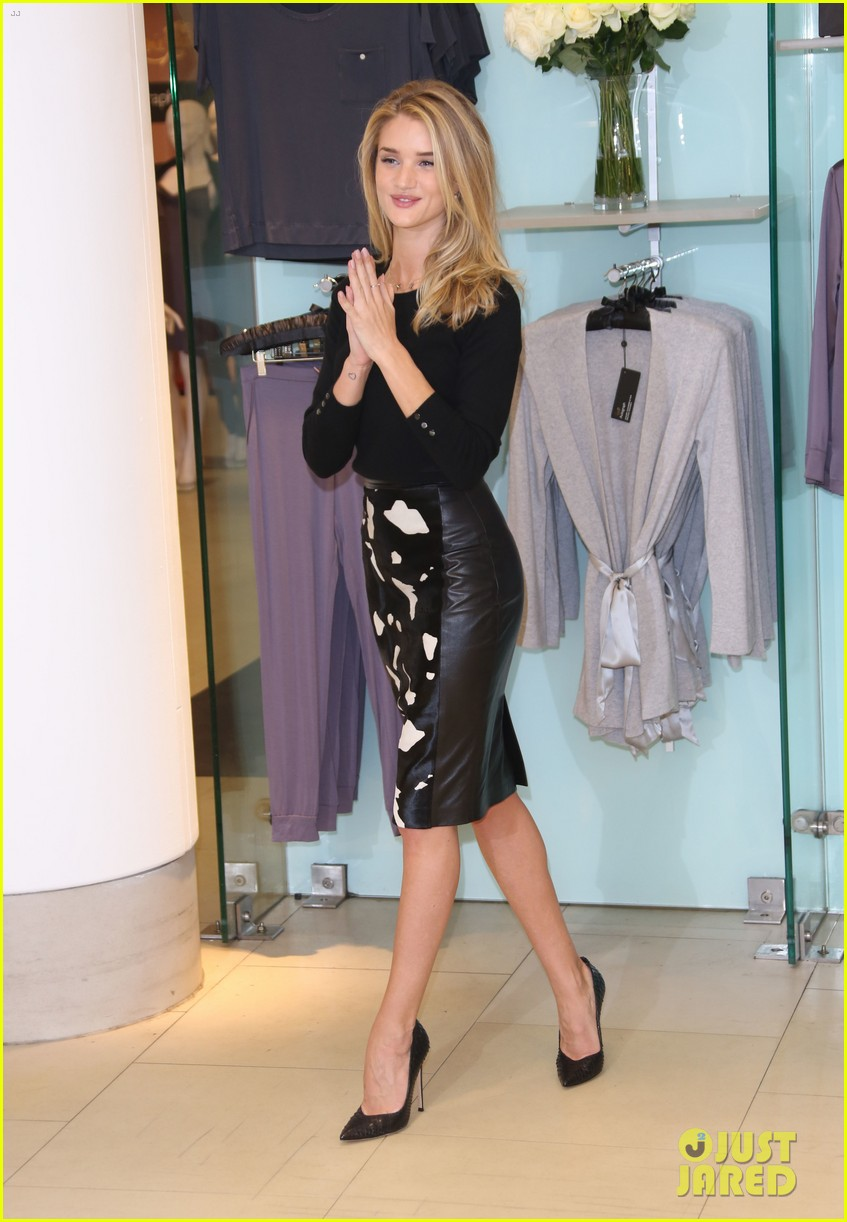 rosie huntington whiteley rosie for autograph photo call 082972817