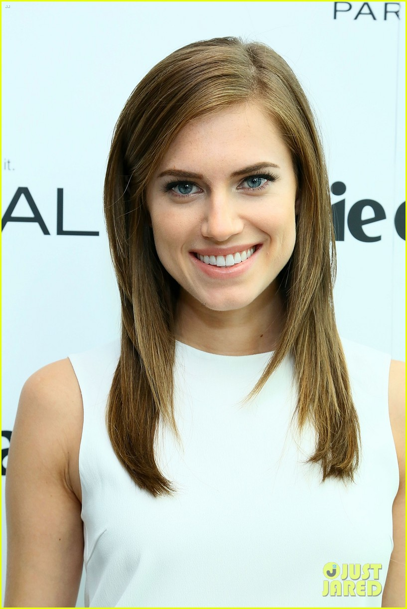 allison williams marie claire power women lunch 07