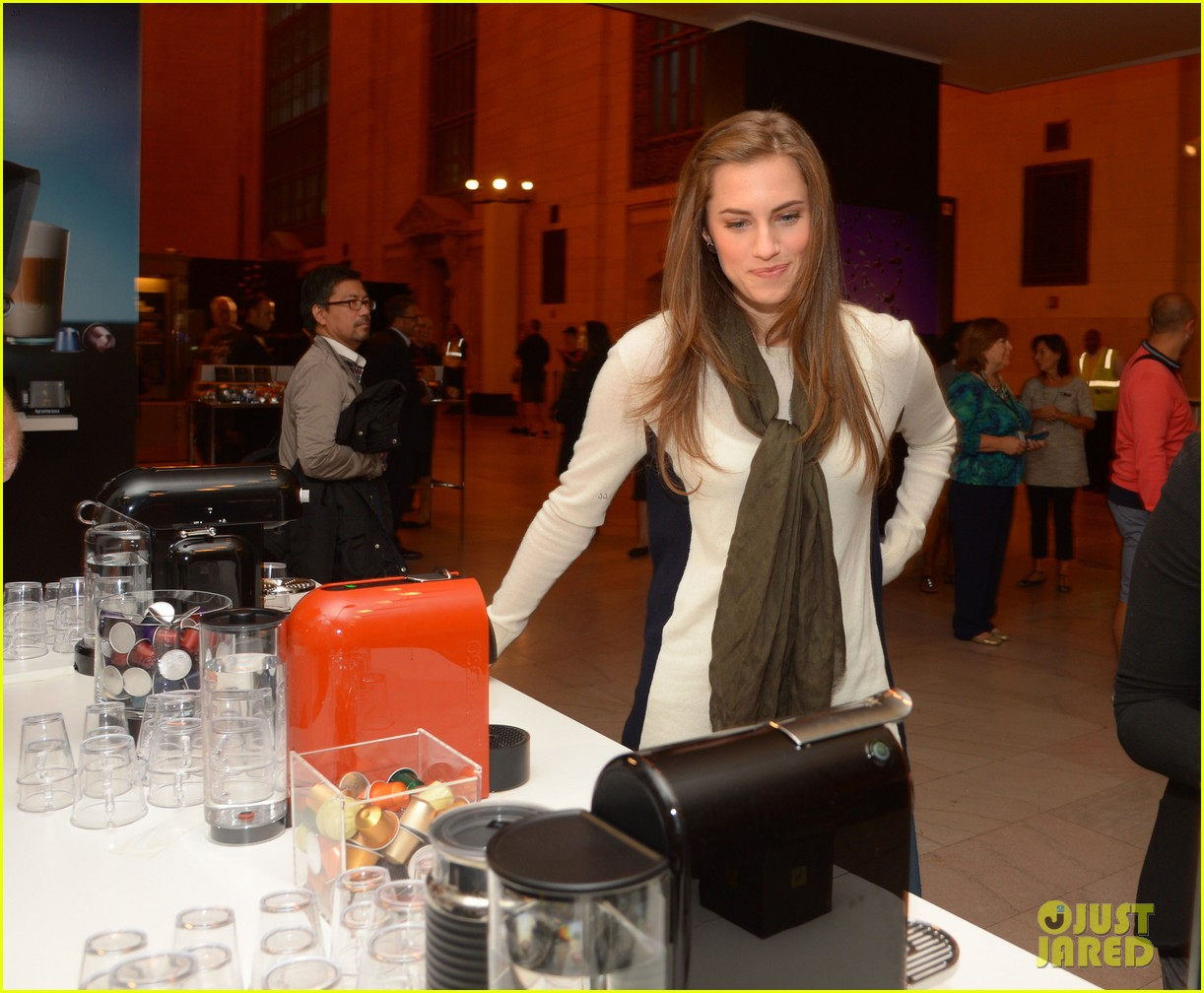 allison williams tries out nespresso in grand central terminal 012965738