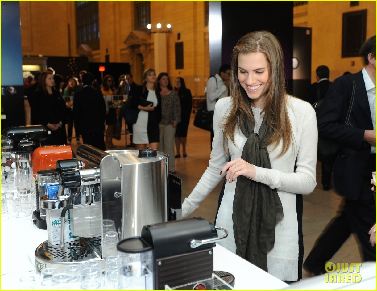 allison williams tries out nespresso in grand central terminal 022965739