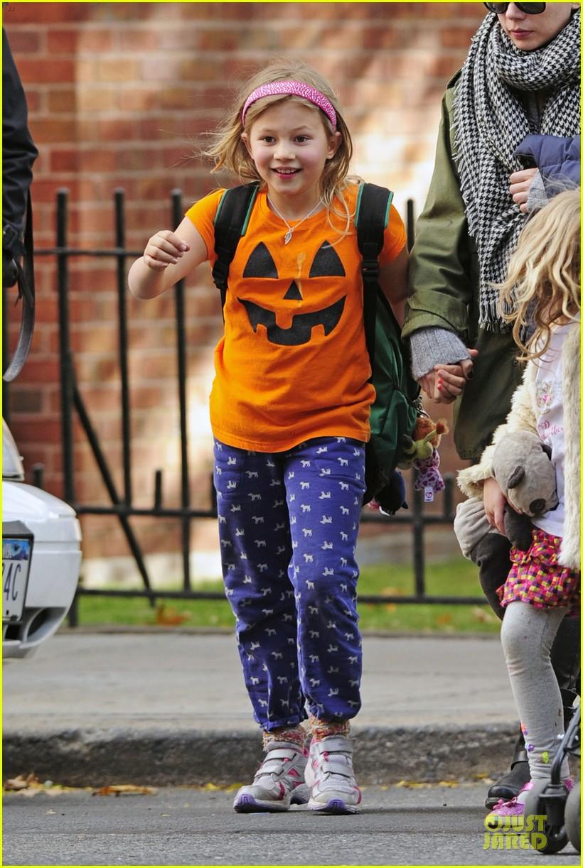 michelle williams matilda channels a cute pumpkin 052979376