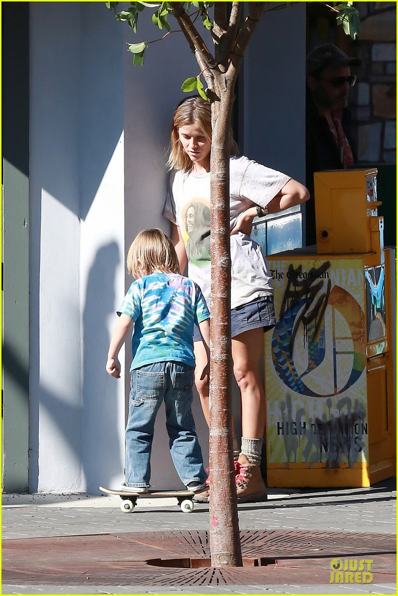 reese witherspoon wild carrier after elle celebration 052977368