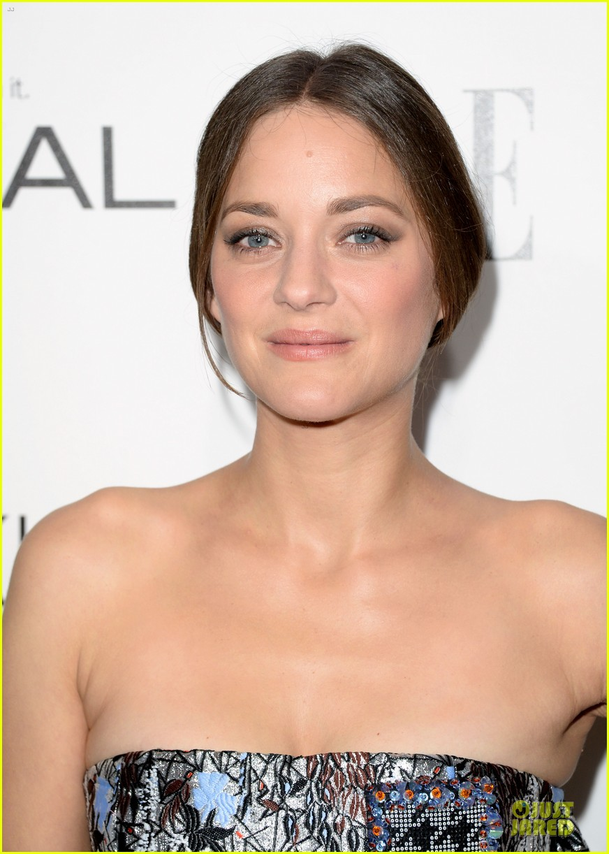reese witherspoon marion cotillard elle women in hollywood celebration 12