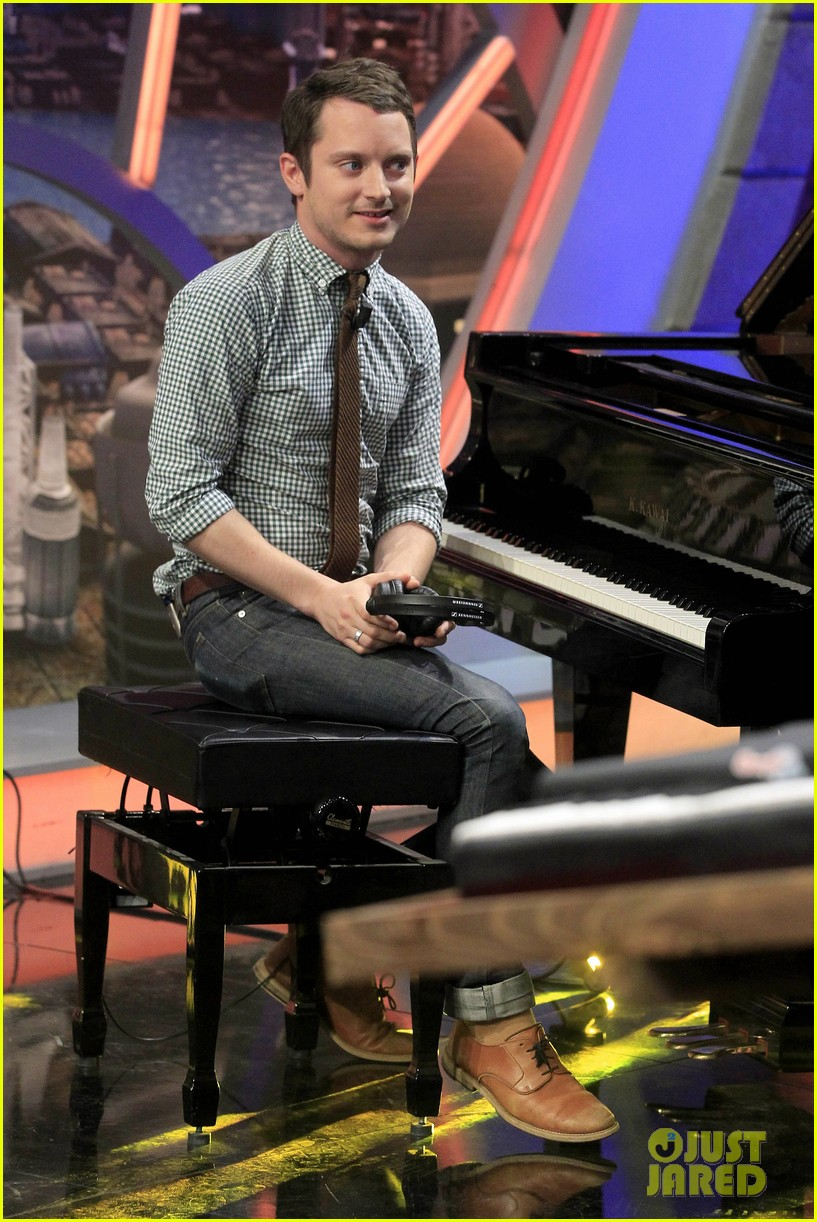 elijah wood grand piano promo in madrid 162972942