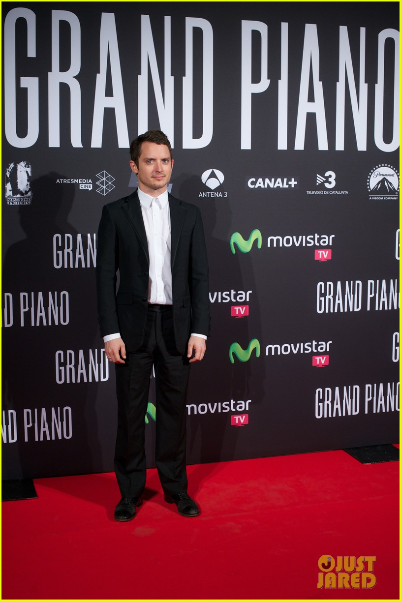 elijah wood grand piano promo in madrid 242972950