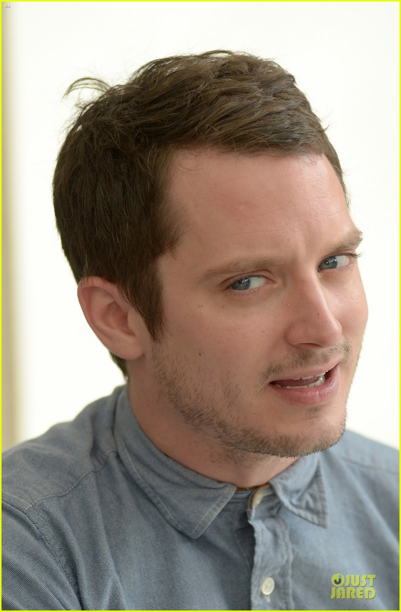 elijah wood grand piano photo call at sitges film fest 212970388