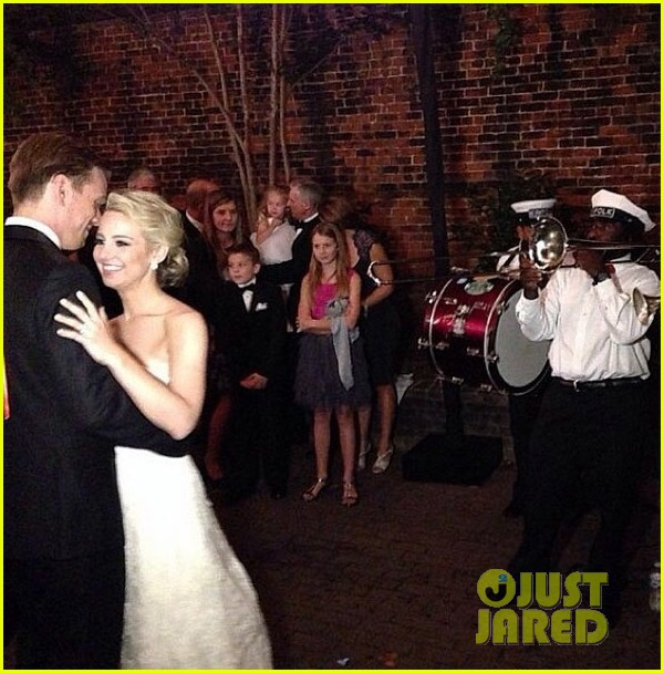 jake abel married to allie wood 01