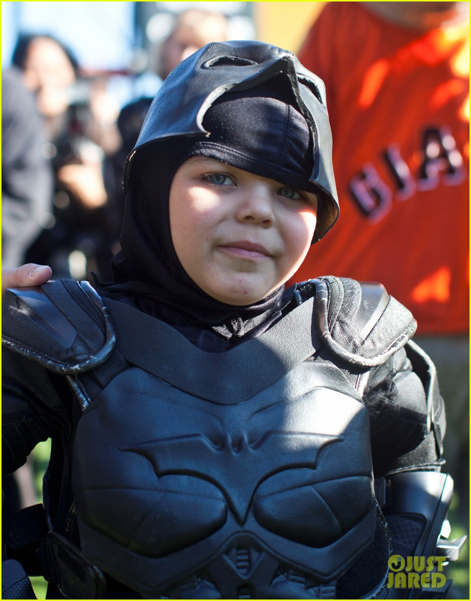 ben affleck christian bale give praise to batkid 022994444