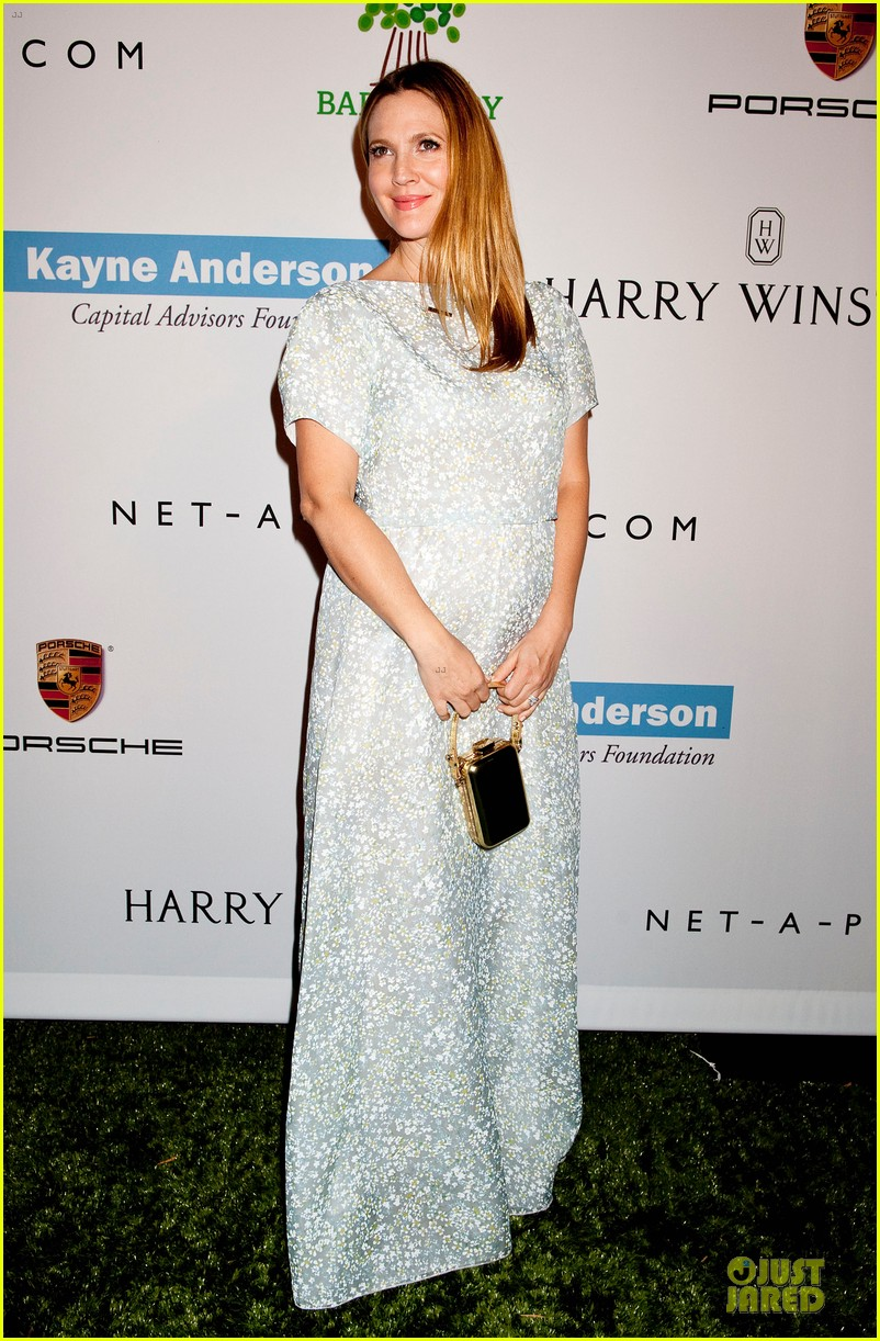 jessica alba baby2baby gala with honoree drew barrymore  102989439