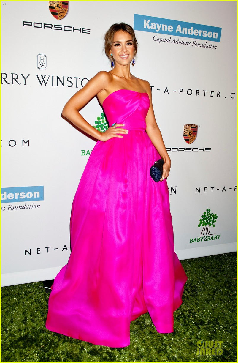 jessica alba baby2baby gala with honoree drew barrymore  142989443