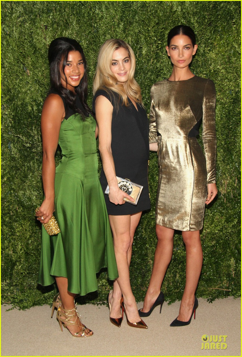 lily aldridge doutzen kroes cfda fashion fund finalists celebration 08