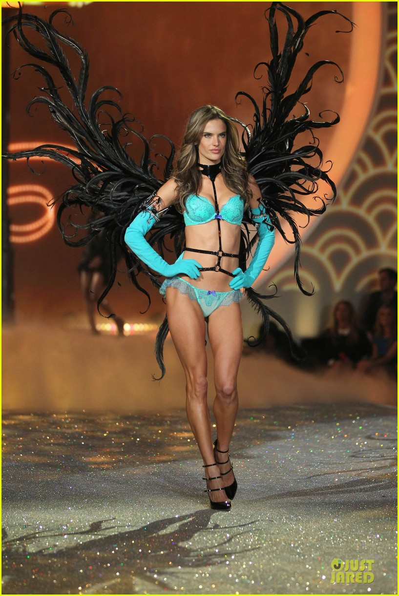 alessandra ambrosio karlie kloss victorias secret fashion show 2013 30