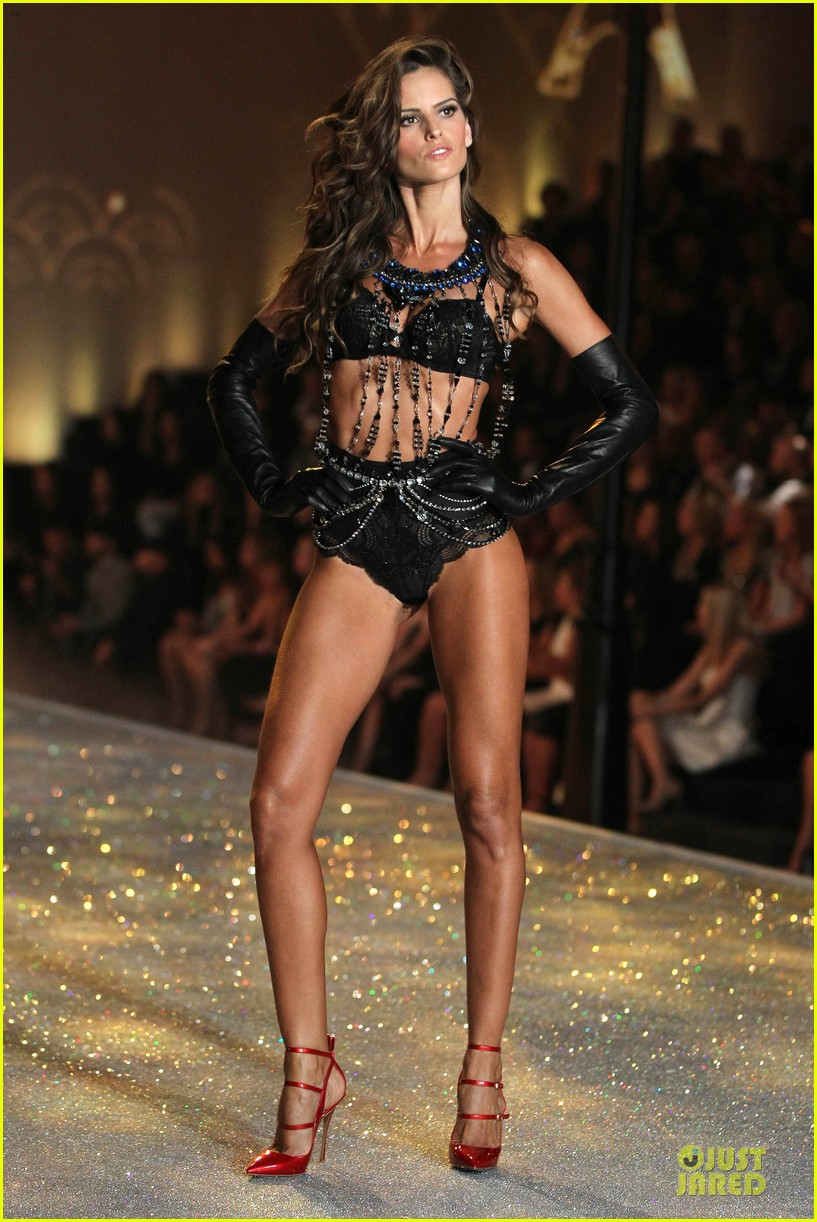 alessandra ambrosio karlie kloss victorias secret fashion show 2013 332992266