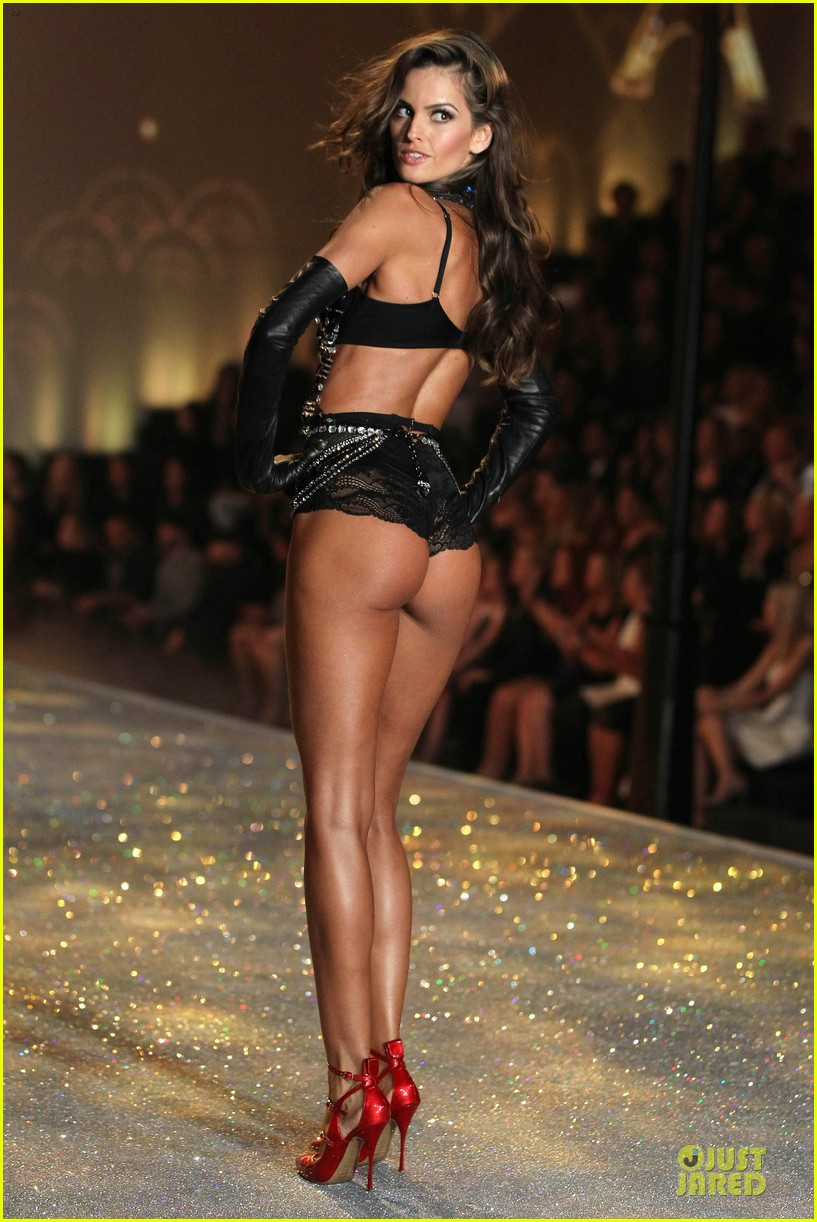alessandra ambrosio karlie kloss victorias secret fashion show 2013 34