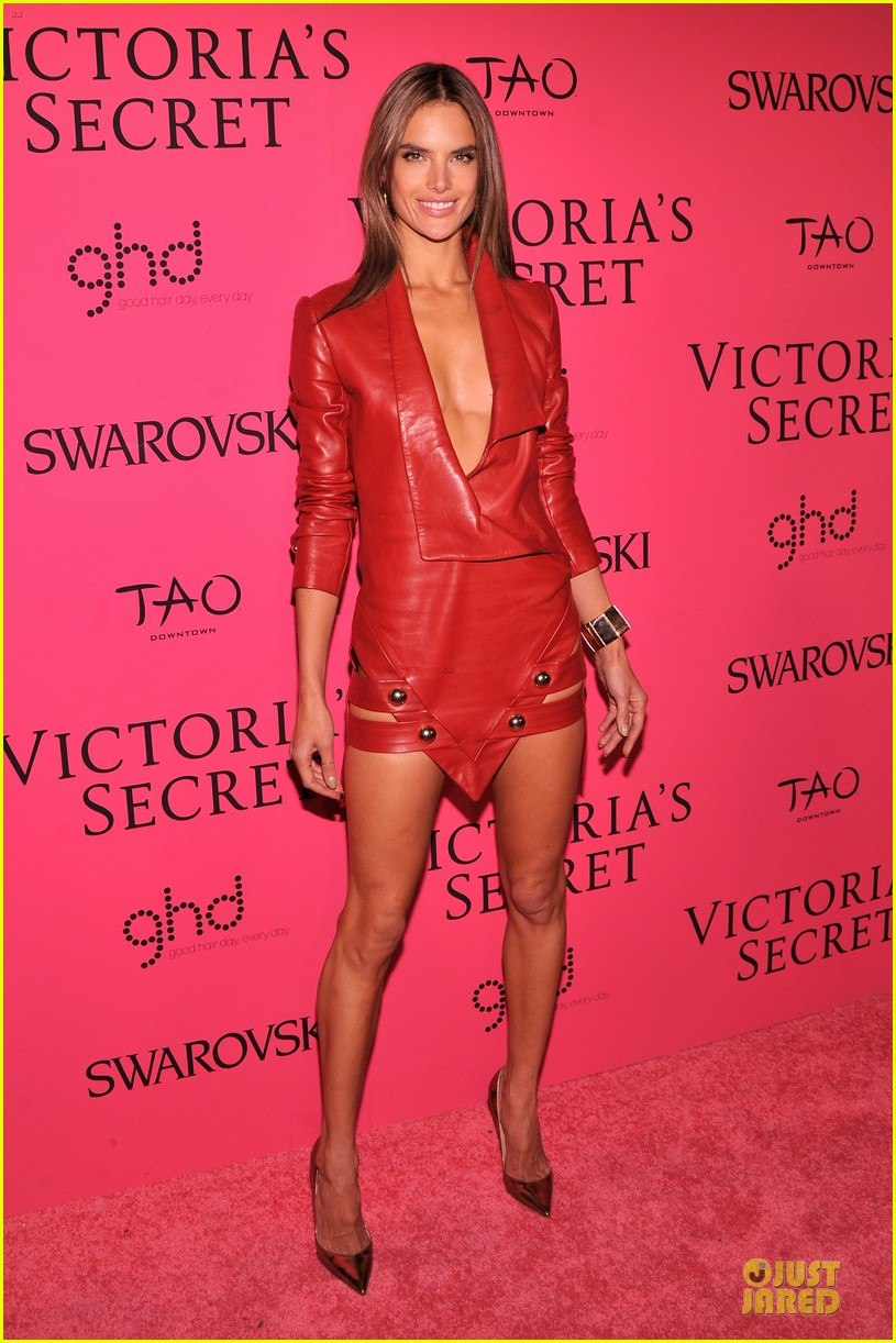 alessandra ambrosio candice swanepoel victorias secret fashion show after party 012992458