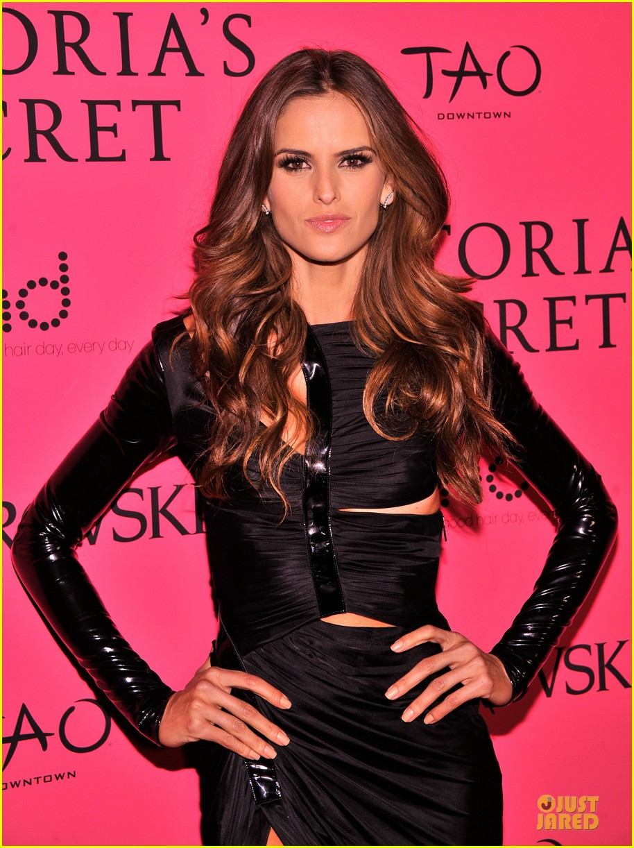 alessandra ambrosio candice swanepoel victorias secret fashion show after party 13