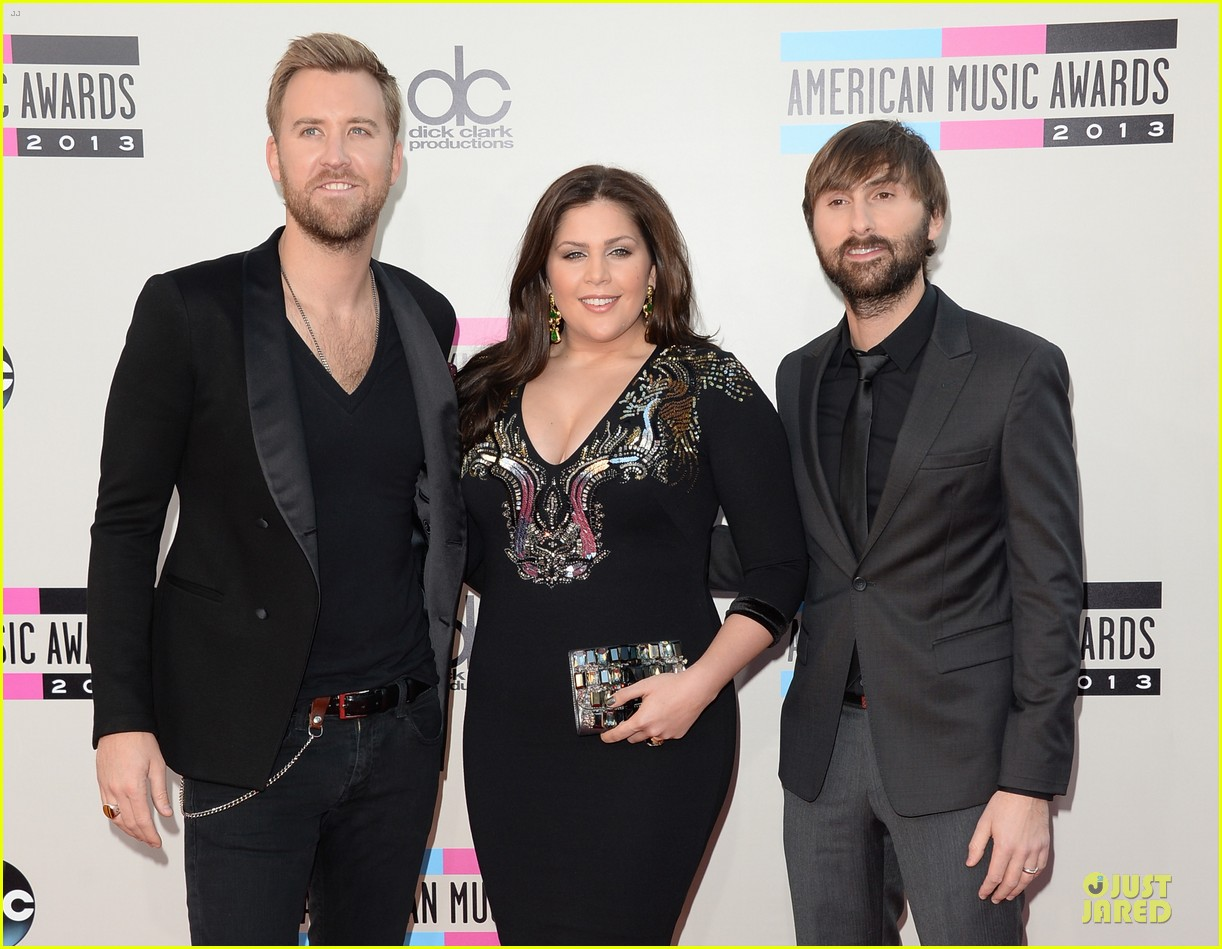 lady antebellum amas 2013 red carpet 042999236