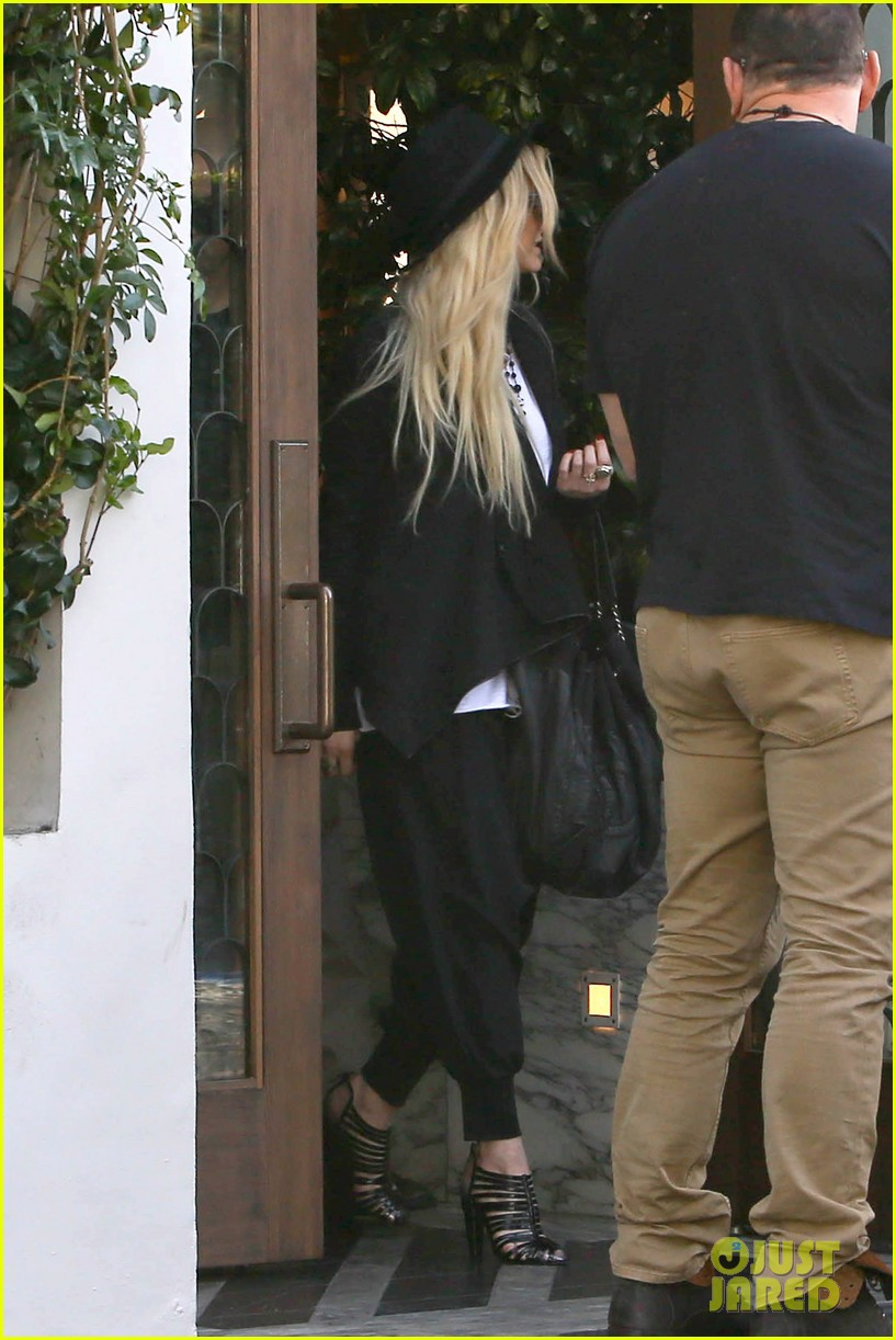 ashlee simpson evan ross hollywood date night 15