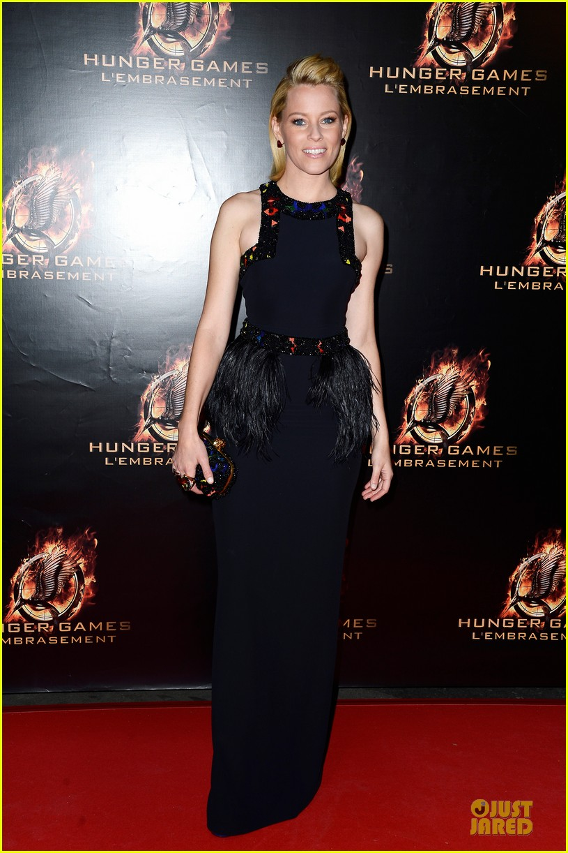 elizabeth banks really important catching fire questions exclusive 012993538