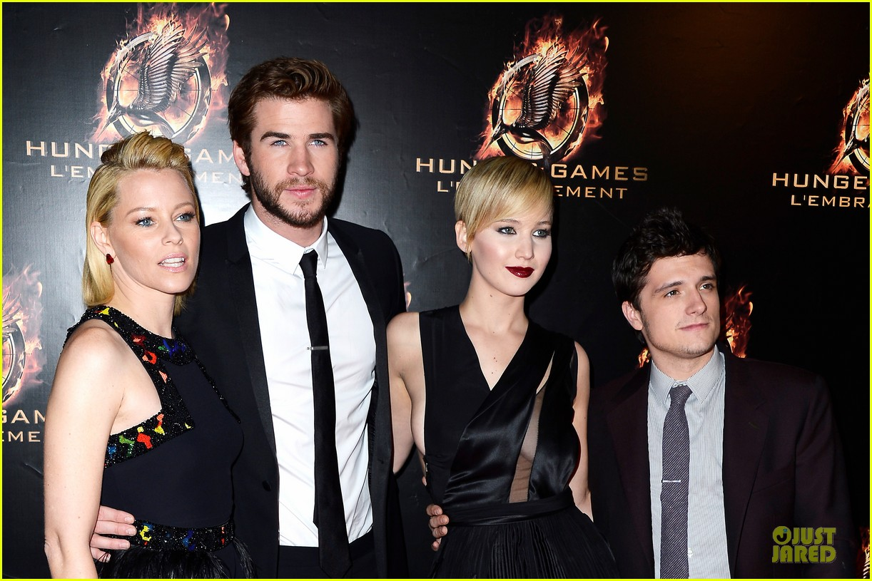 elizabeth banks really important catching fire questions exclusive 102993547