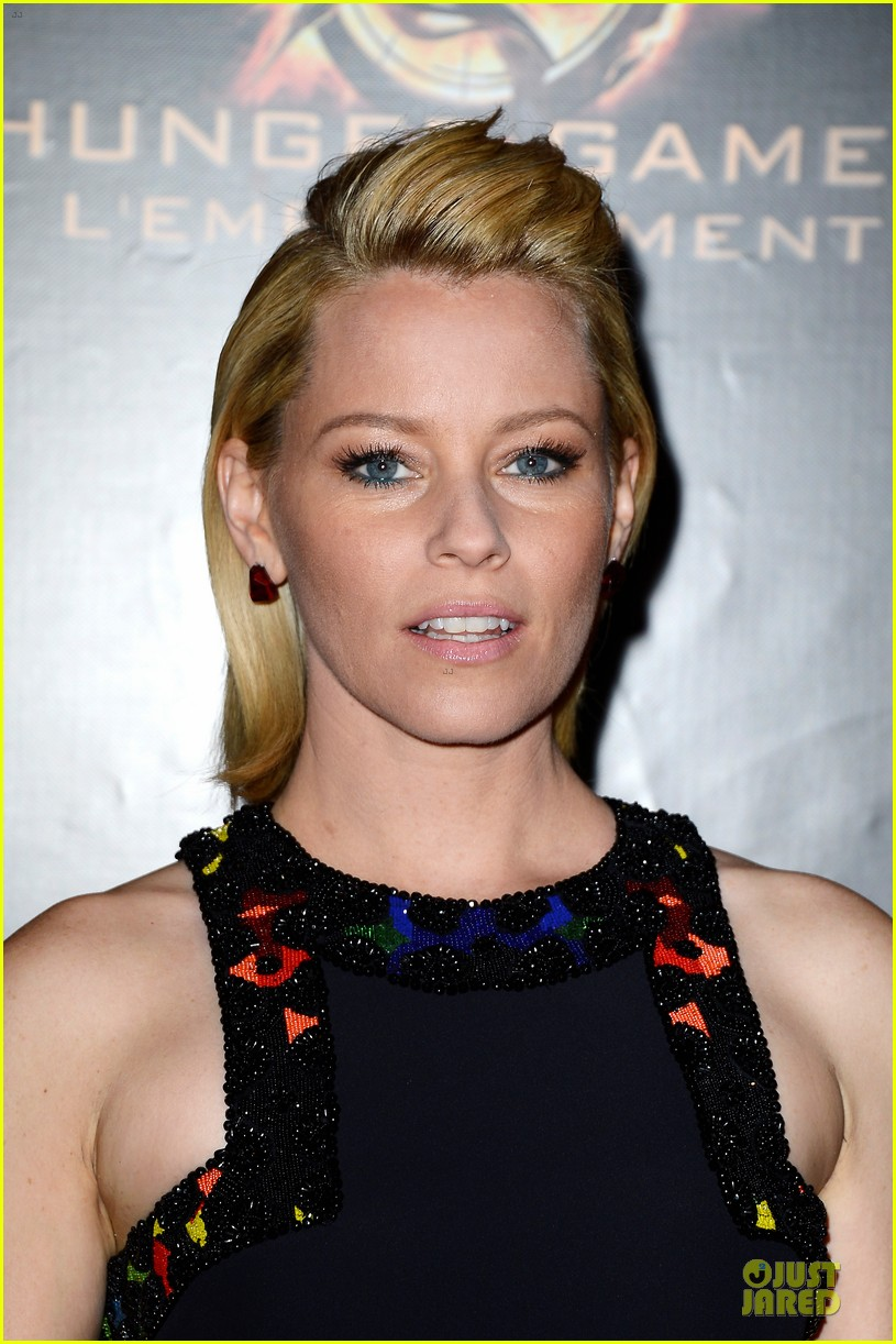 elizabeth banks really important catching fire questions exclusive 112993548