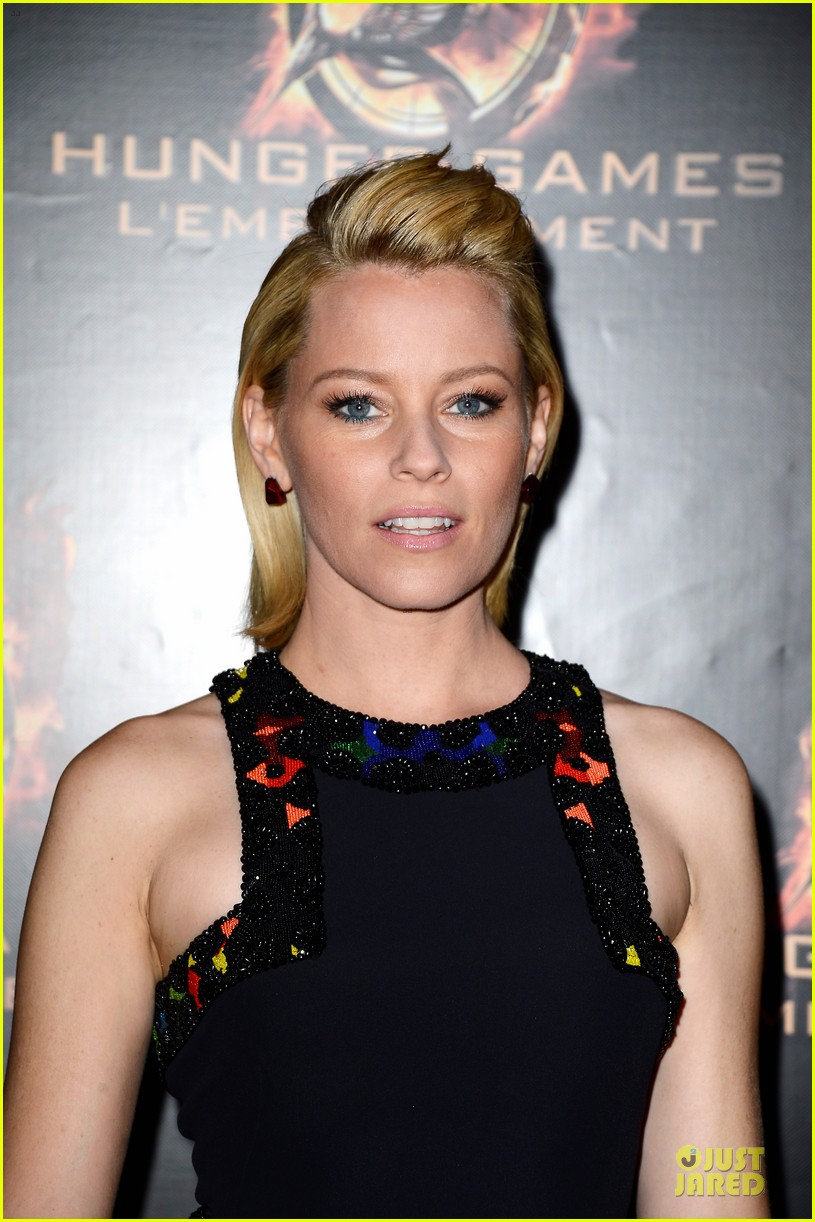 elizabeth banks really important catching fire questions exclusive 132993550