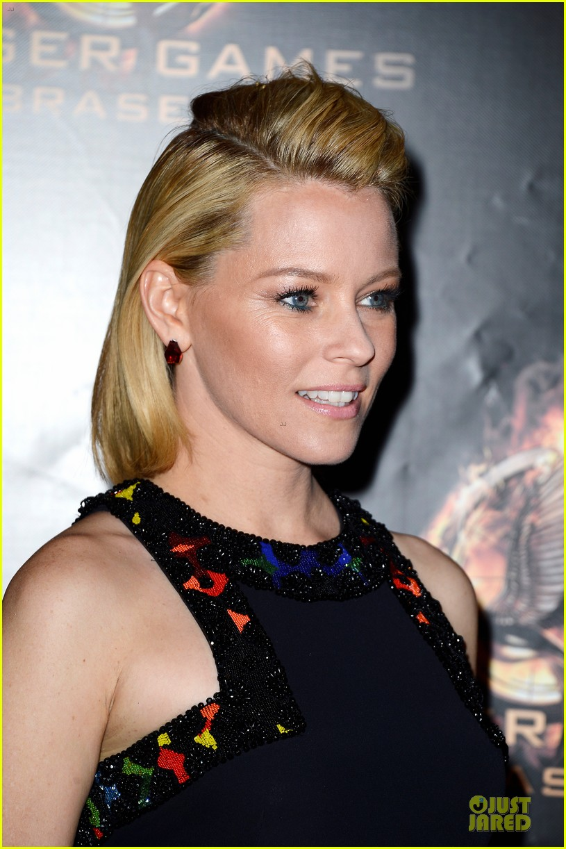 elizabeth banks really important catching fire questions exclusive 152993552