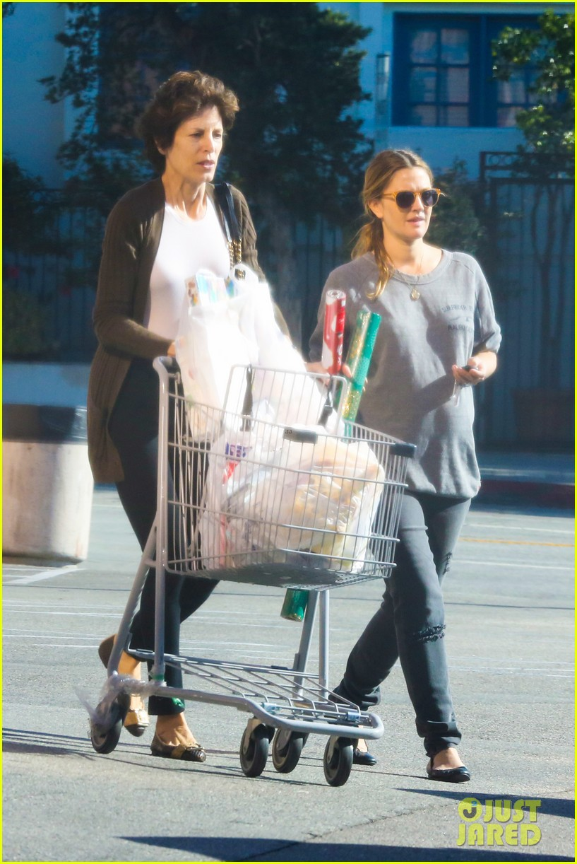 drew barrymore thanksgiving grocery shopping 103001985