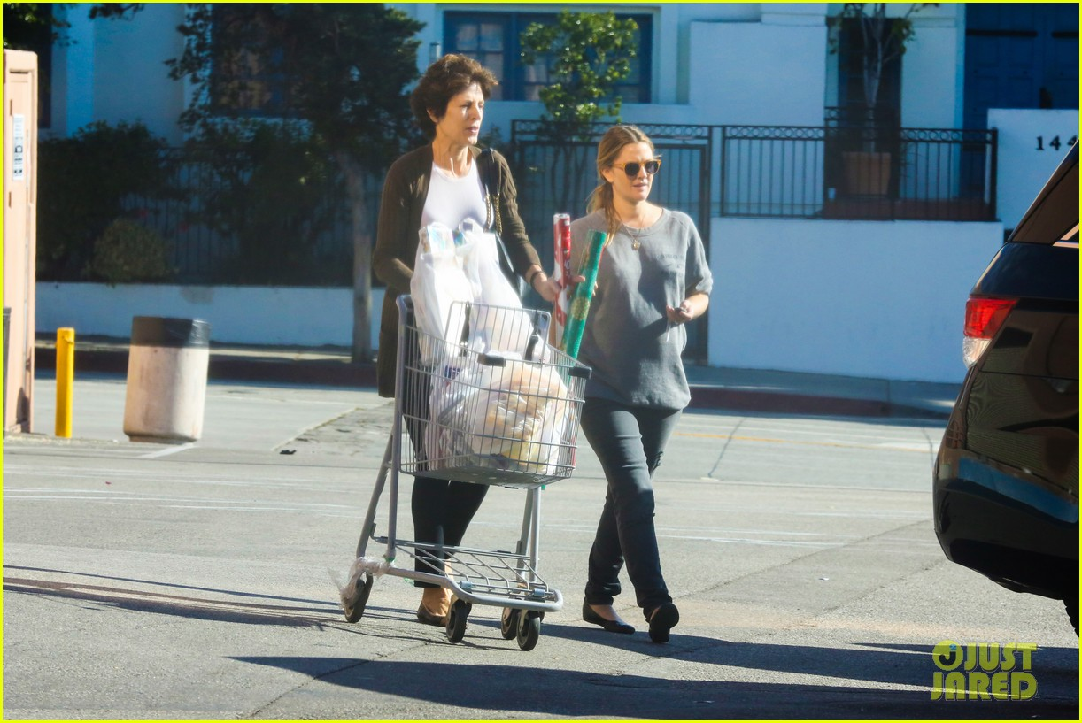 drew barrymore thanksgiving grocery shopping 153001990
