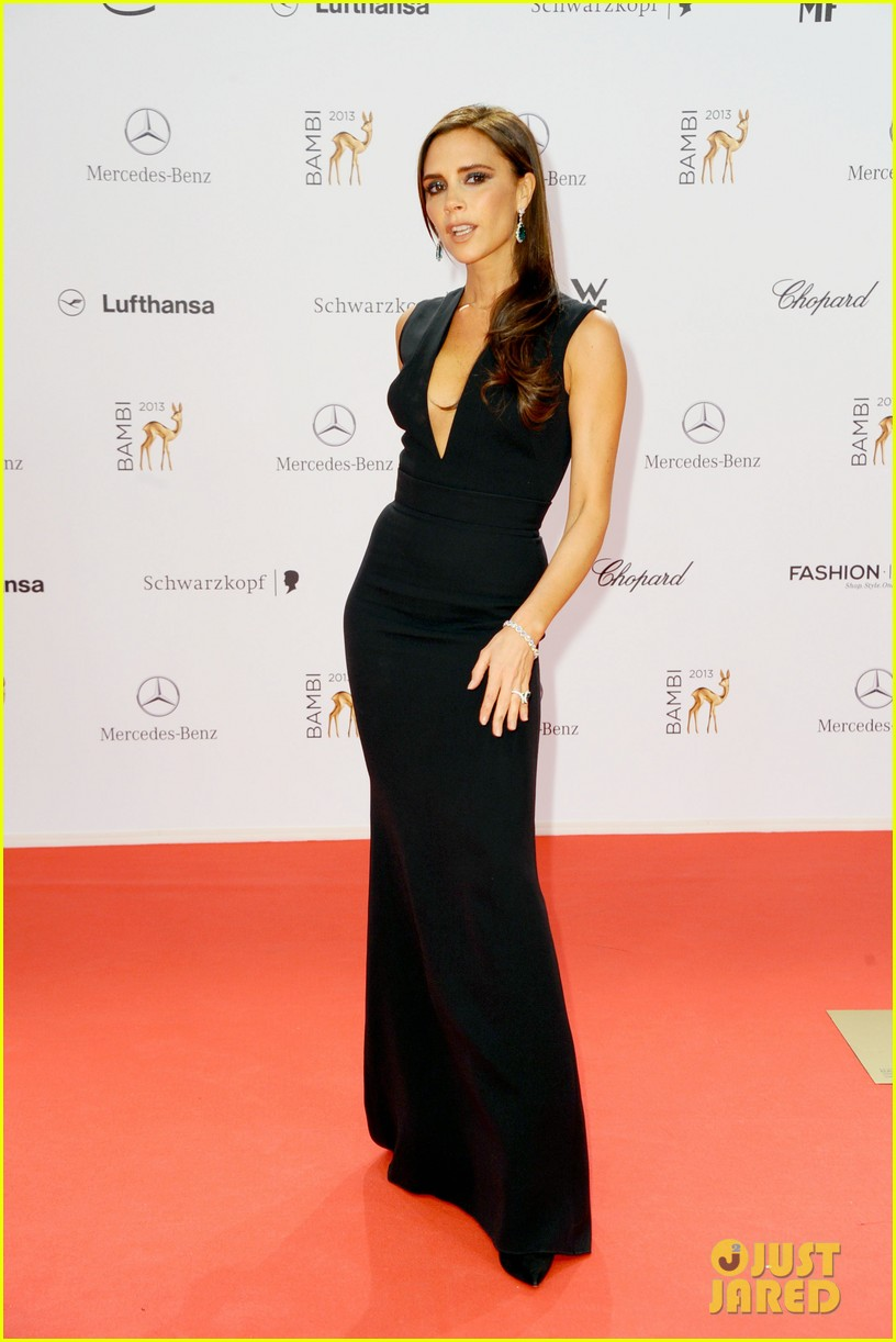victoria beckham wins at bambi awards 2013 17