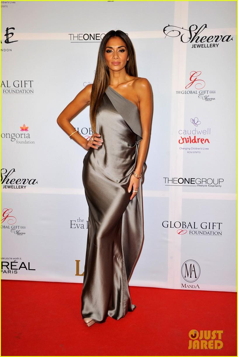 victoria beckham eva longoria global gift gala 122996082