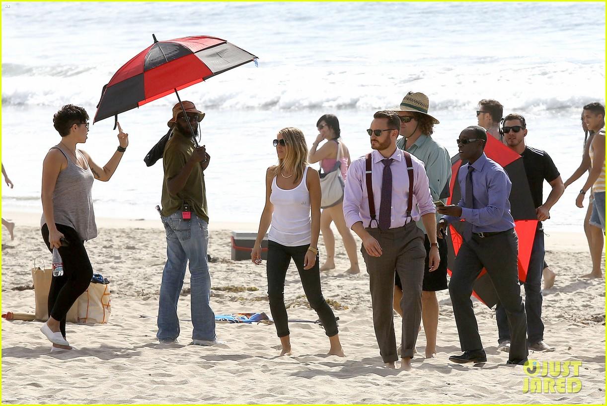 Kristen Bell: U0027House Of Liesu0027 Beach Filming