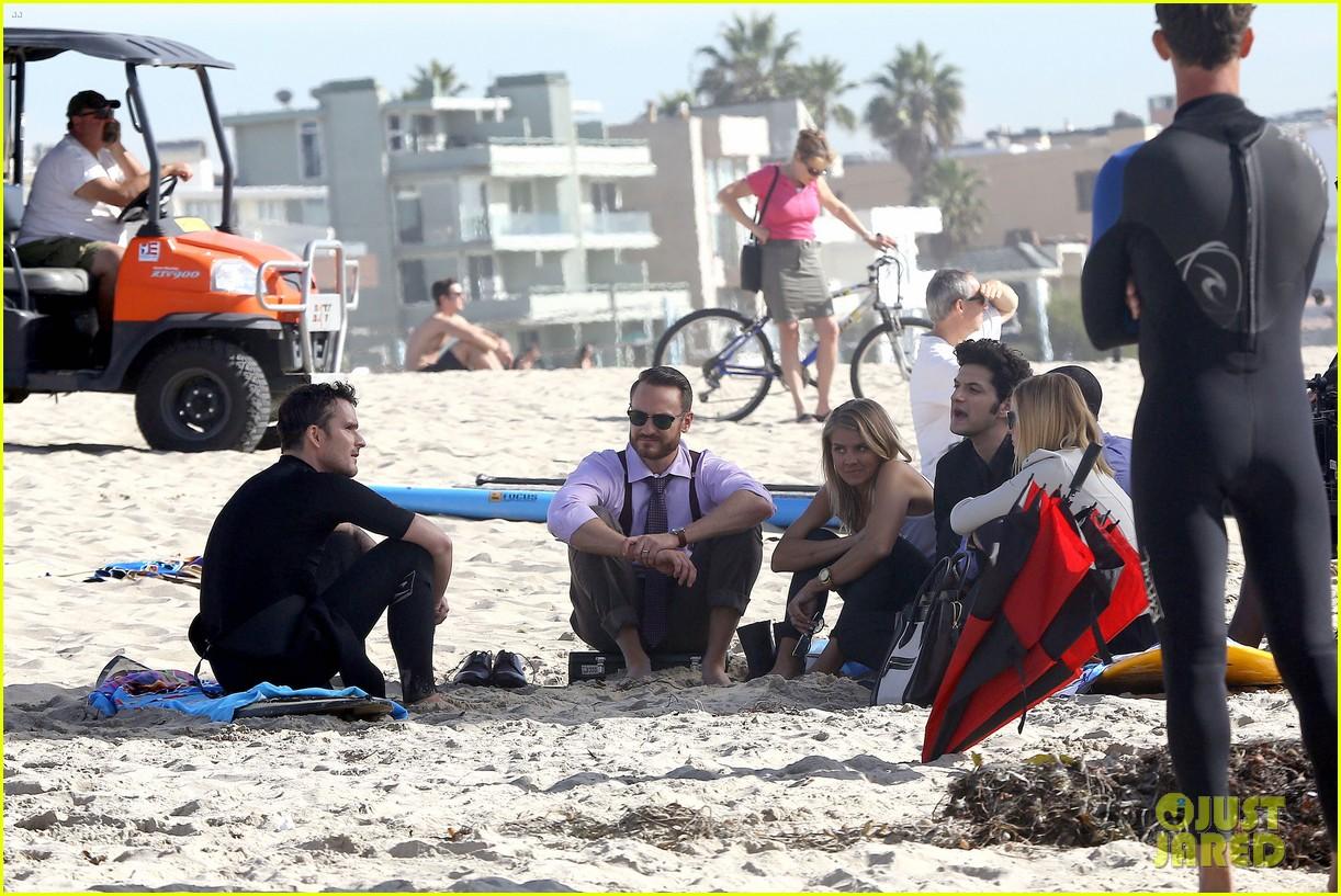 kristen bell house of cards beach filming 172987996