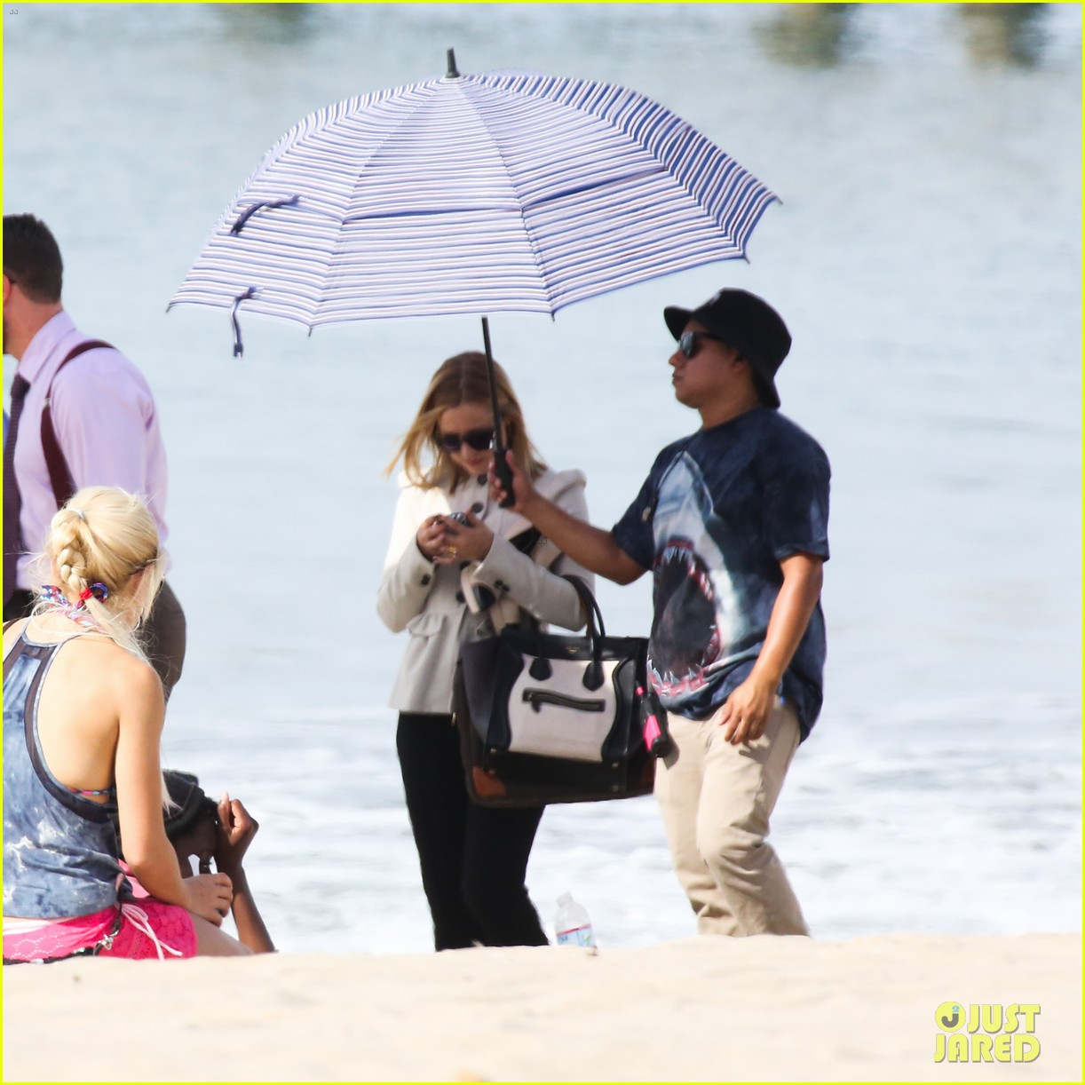 kristen bell house of cards beach filming 242988003