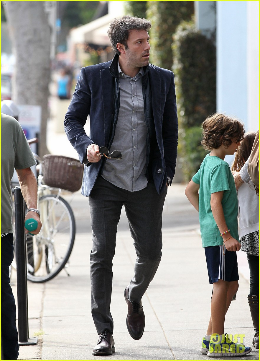 ben affleck jennifer garner busy sunday santa monica 132994950