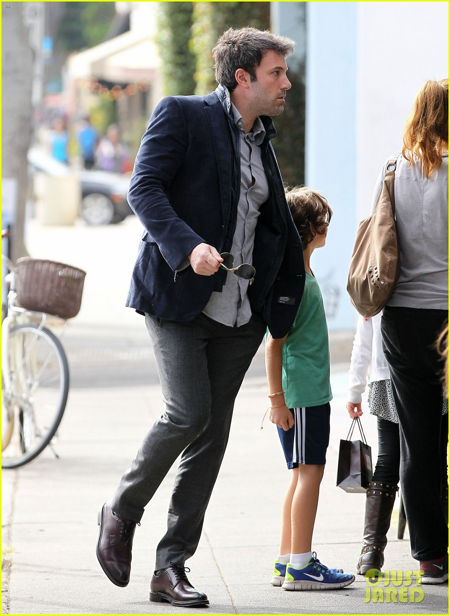 ben affleck jennifer garner busy sunday santa monica 142994951