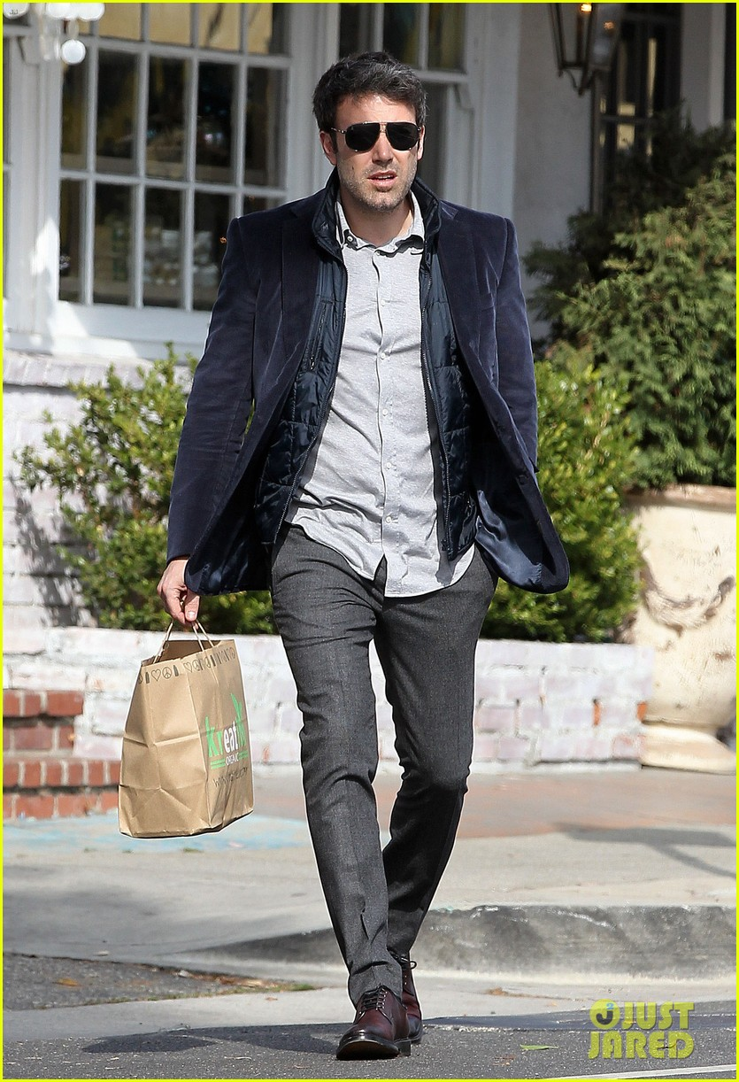 ben affleck jennifer garner busy sunday santa monica 16