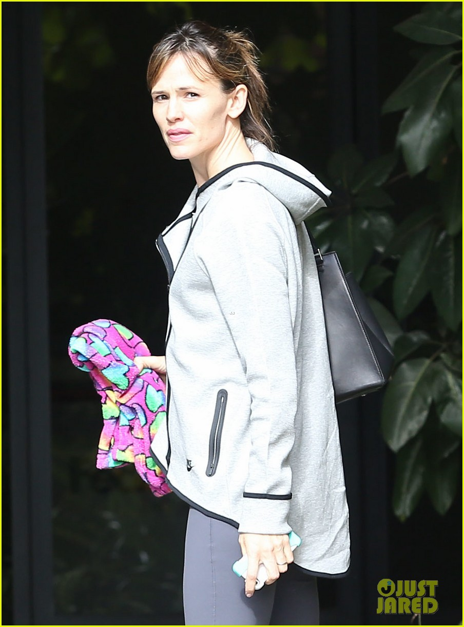 ben affleck jennifer garner busy sunday santa monica 232994960
