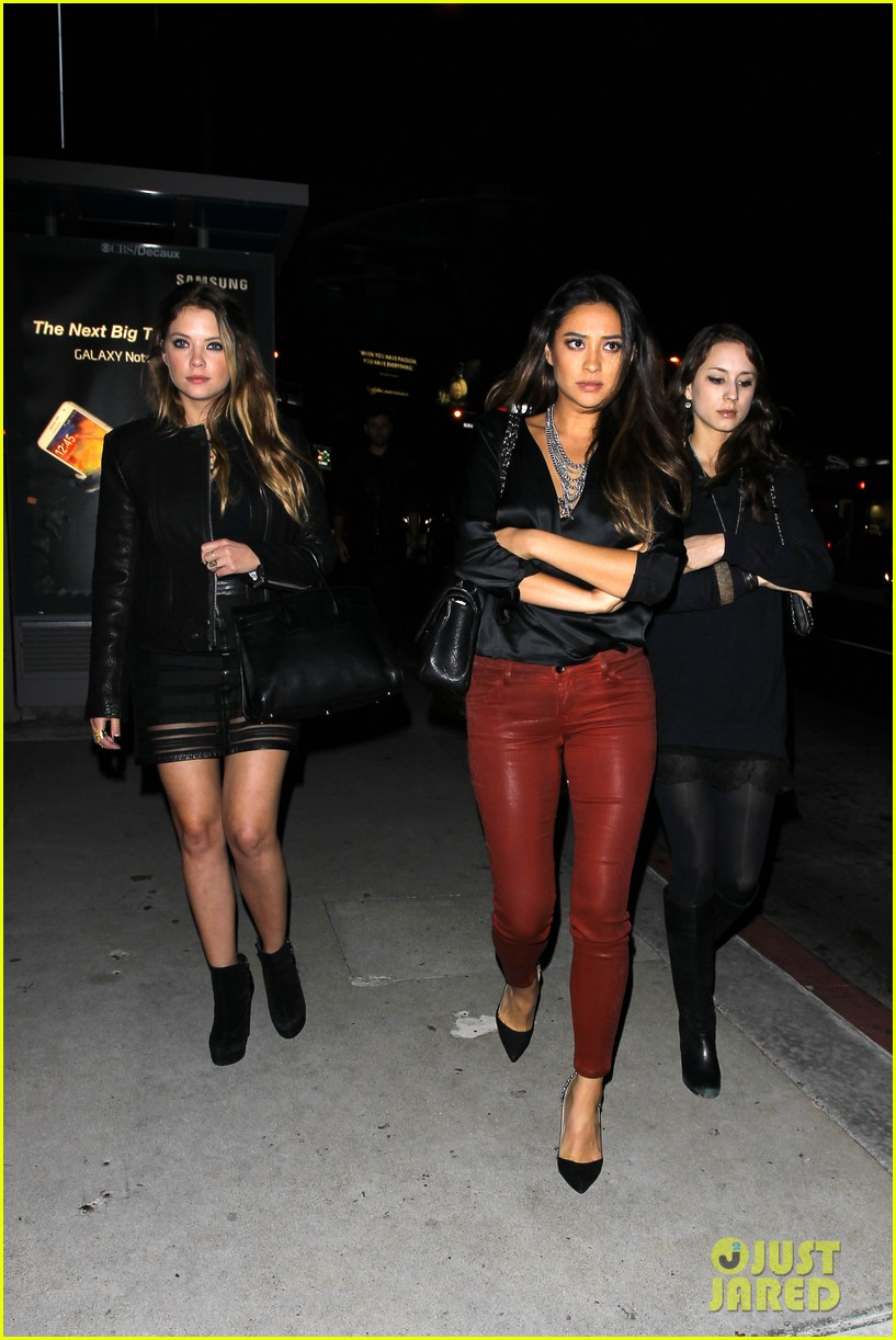 ashley benson shay mitchell pretty little liars wrap party 012985896