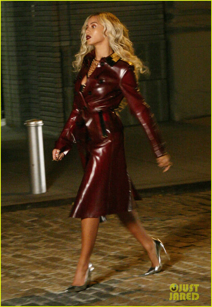 beyonce rocks red leather trench for music video shoot 032996783