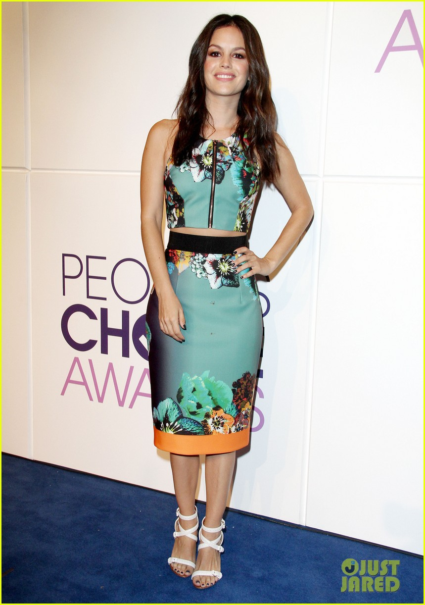 rachel bilson peoples choice awards nominations conference 01