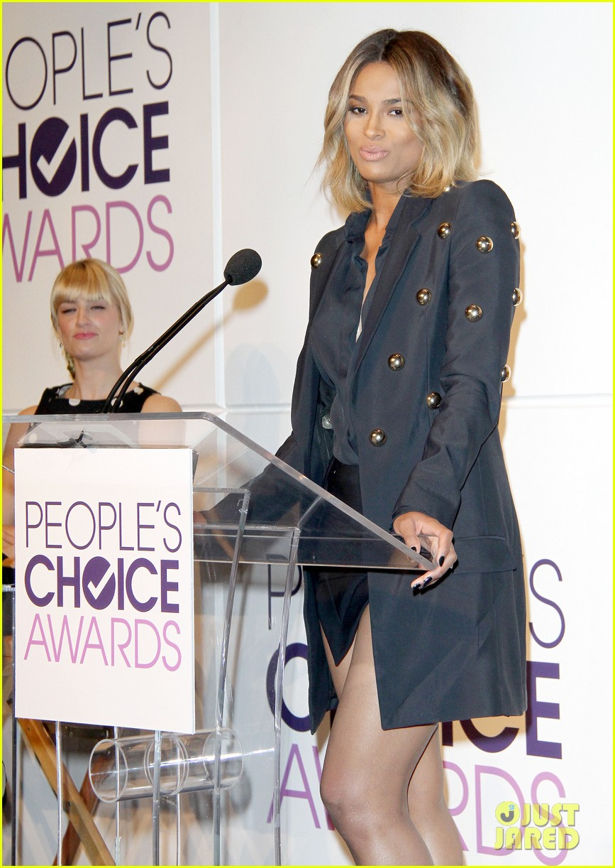 rachel bilson peoples choice awards nominations conference 092986588