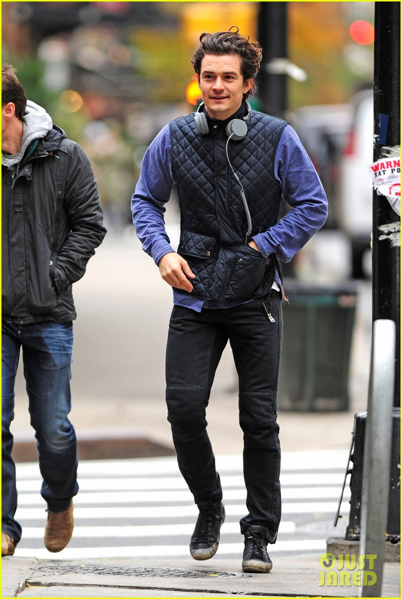orlando bloom braves chilly weather after nyc first snow 052991254